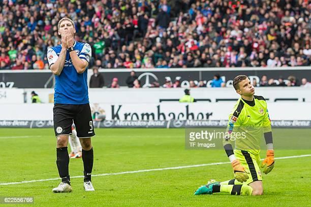 Stuttgart Deutschland 2 Bundesliga 12 Spieltag VfB Stuttgart DSC Arminia Bielefeld Andreas Voglsammer verpasste Torchanche gegen Torwart Mitchell...