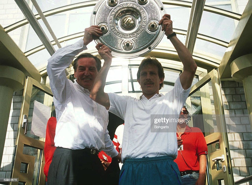 MAYER-VORFELDER/DAUM/FUSSBALL: 1. BUNDESLIGA 90/91 : News Photo