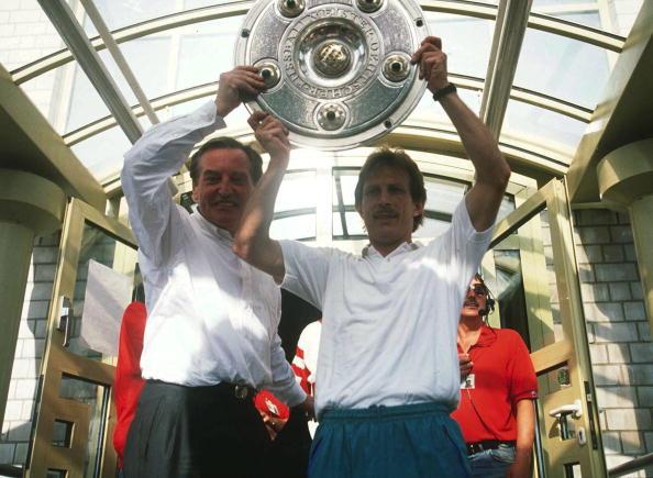 MAYER-VORFELDER/DAUM/FUSSBALL: 1. BUNDESLIGA 90/91 : News Photo