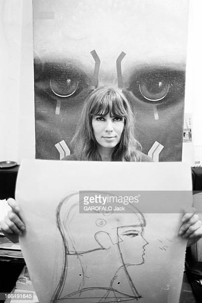 Stylist Victoire Prepares The 1967 April Ball Octobre 1967 la styliste VICTOIRE prépare le Bal ' April in Paris' Portrait de Victoire présentant un...