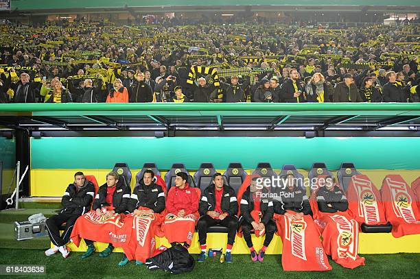 substitutes' bench the 1 FC Union Berlin during the game between Borussia Dortmund and dem 1 FC Union Berlin on october 26 2016 in Dortmund Germany