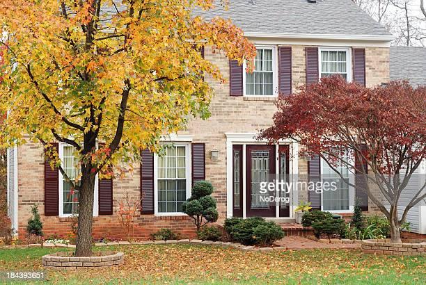 maison automne photos et images de collection getty images. Black Bedroom Furniture Sets. Home Design Ideas
