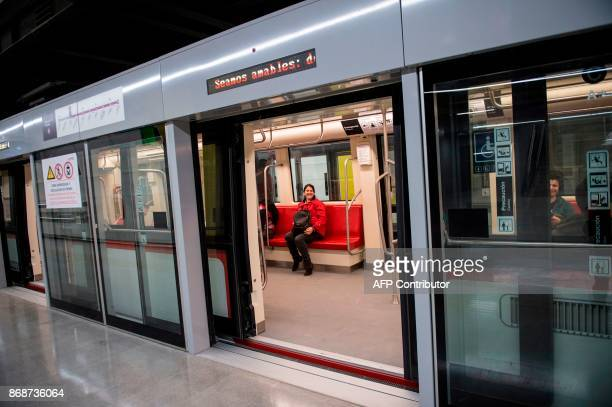Subway workers check last details of line 6 of the Santiago subway that will be inaugurated next November 2 in Santiago October 31 2017 The new...