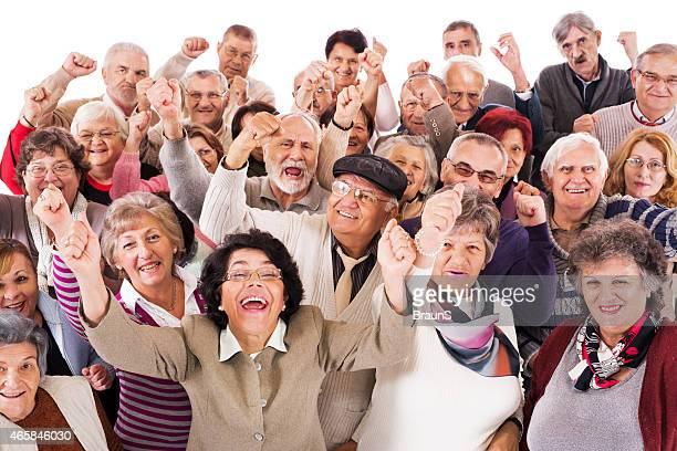 Erfolgreiche Gruppe von Senioren.