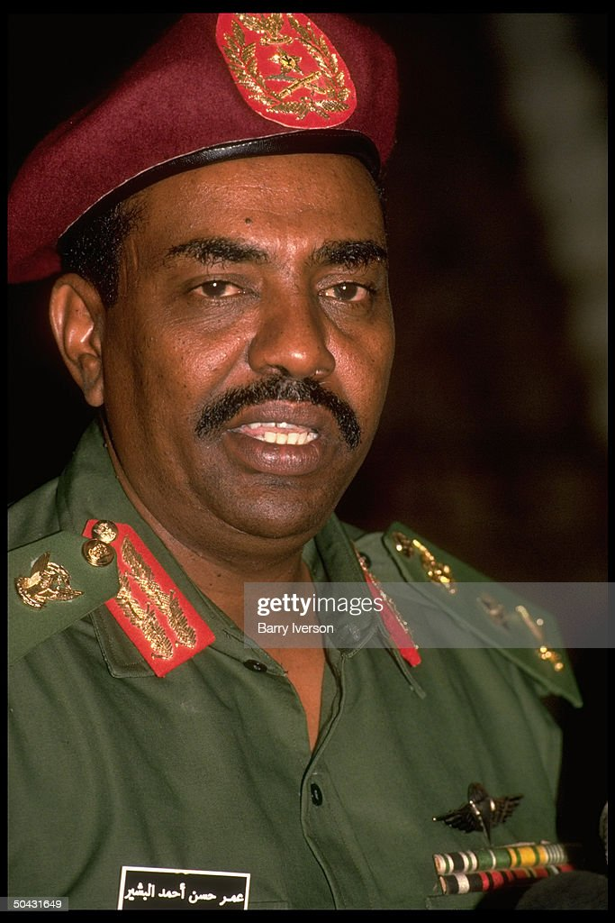 Sudanese ldr. <a gi-track='captionPersonalityLinkClicked' href=/galleries/search?phrase=Omar+al-Bashir&family=editorial&specificpeople=588924 ng-click='$event.stopPropagation()'>Omar al-Bashir</a> during mtg. w. Pres. Mubarak.