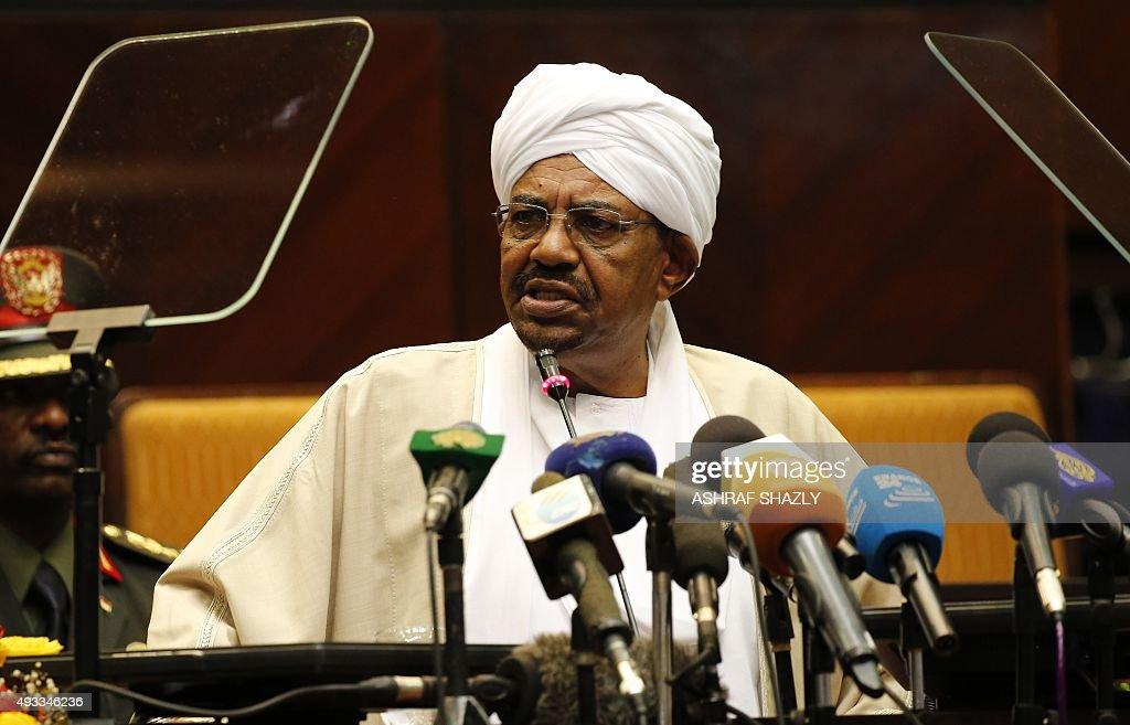 Sudanese President Omar alBashir addresses the parliament about national dialogue talks on October 19 2015 in Khartoum AFP PHOTO/ ASHRAF SHAZLY