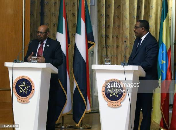 Sudanese President Omar alBashir and Ethiopian Prime Minister Hailemariam Desalegn hold a joint press conference at National Palace in Addis Ababa...