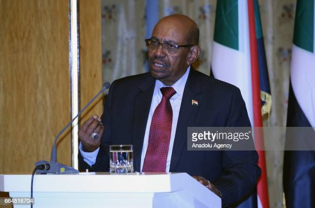 Sudanese President Omar alBashir speaks during a joint press conference with Ethiopian Prime Minister Hailemariam Desalegn at National Palace in...