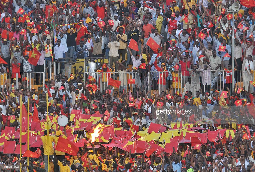 Sudan's al-Merrikh club fans gather to watch their team play against Congo's AC Leopards during their CAF Confederation Cup semi-final football match at the Merreikh Stadium in the Sudanese capital Khartoum, on November 10, 2012. AFP PHOTO/EBRAHIM HAMID