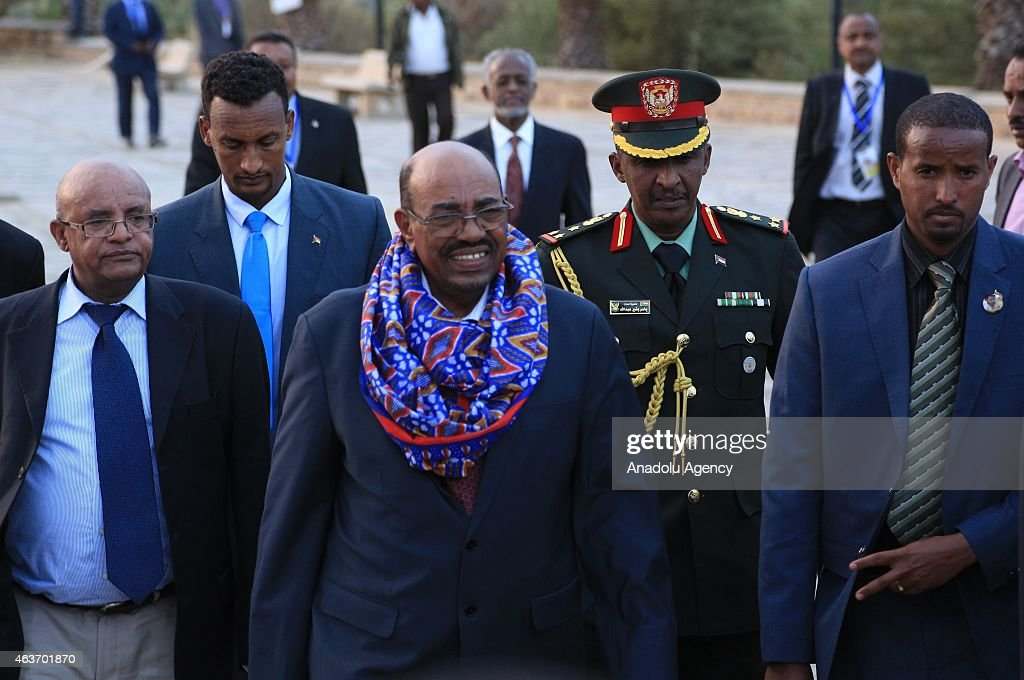 Sudan's President Omar al-Bashir (C) arrives at Martyr's Memorial Monument for a ceremony on February 17, 2015 in Mekele prior to the 40th founding anniversary of TPLF (Tigrayan People's Liberation Front) which will be celebrated on February 18 in Mekele, Ethiopia.