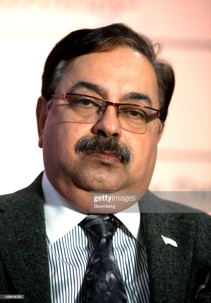 Sudhir Vasudeva, chairman of Oil & Natural Gas Corp. (ONGC), pauses during the ASSOCHAM seminar on oil and gas in New Delhi, India, on Friday, Jan. 4, 2013. India cut the goal for economic growth in the five years to 2017 and signaled further fuel-price increases to limit subsidies that have stoked a budget deficit. Photographer: Pankaj Nangia/Bloomberg via Getty Images