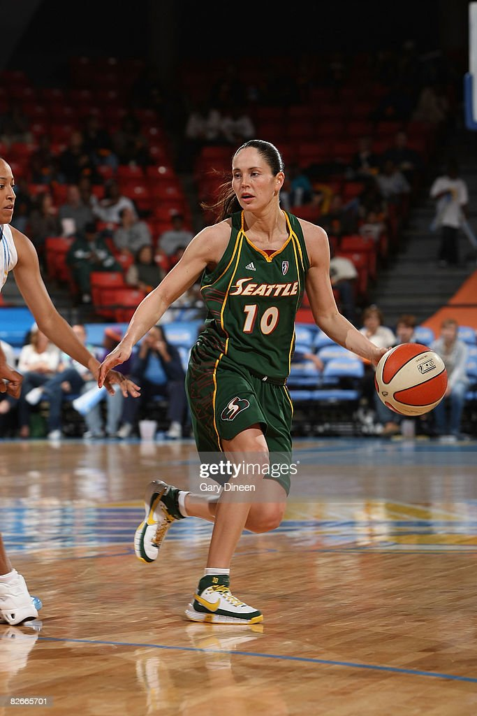Sue Bird of the Seattle Storm brings the ball up court during the WNBA game against the Chicago Sky on September 4 2008 at the UIC Pavilion in...