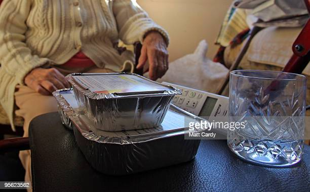 Sue Gardiner manages to deliver mealsonwheels to elderly residents of High Littleton on January 7 2010 in Somerset England Because of the extreme...