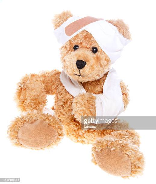 Souffrance blessés joli ours en peluche
