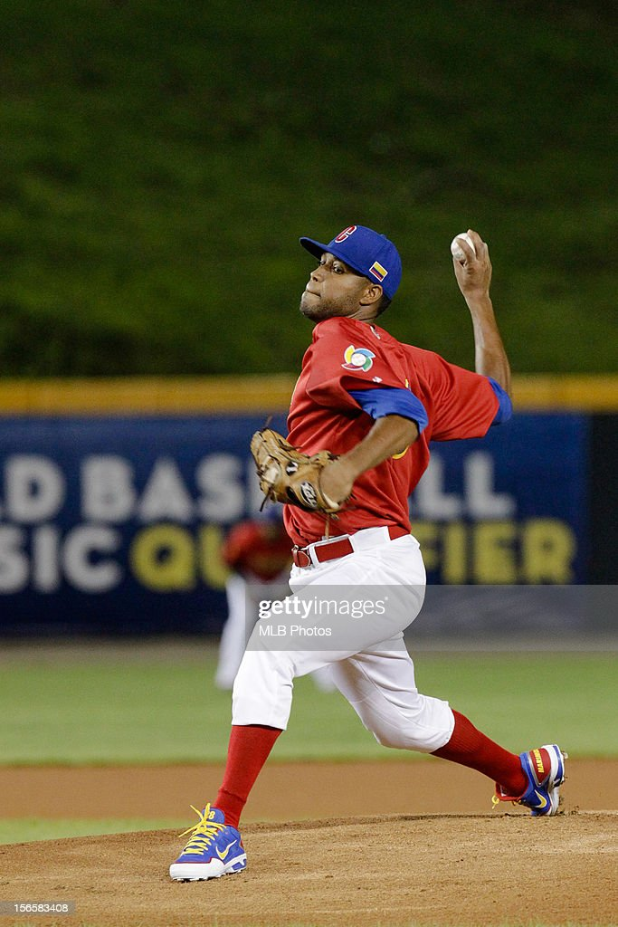 Sugar Ray Marimon #26 of Team Colombia pitches during Game 2 of the Qualifying Round of the World Baseball Classic against Team Nicaragua at Rod Carew National Stadium on November 16, 2012 in Panama City, Panama.