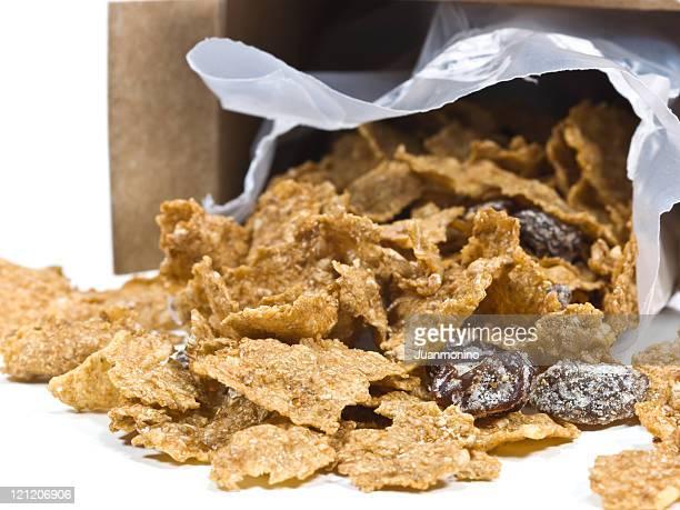 Sugared corn flakes with raisins