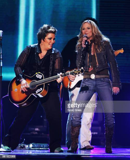 Sugarland performs at the 39th Annual Country Music Association Awards at Madison Square Garden November 15 2005 in New York City