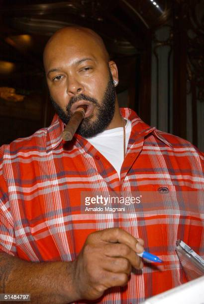 Suge Knight leaves midtown hotel to promote CD's for his label Death Row Records October 15 2004 in New York City
