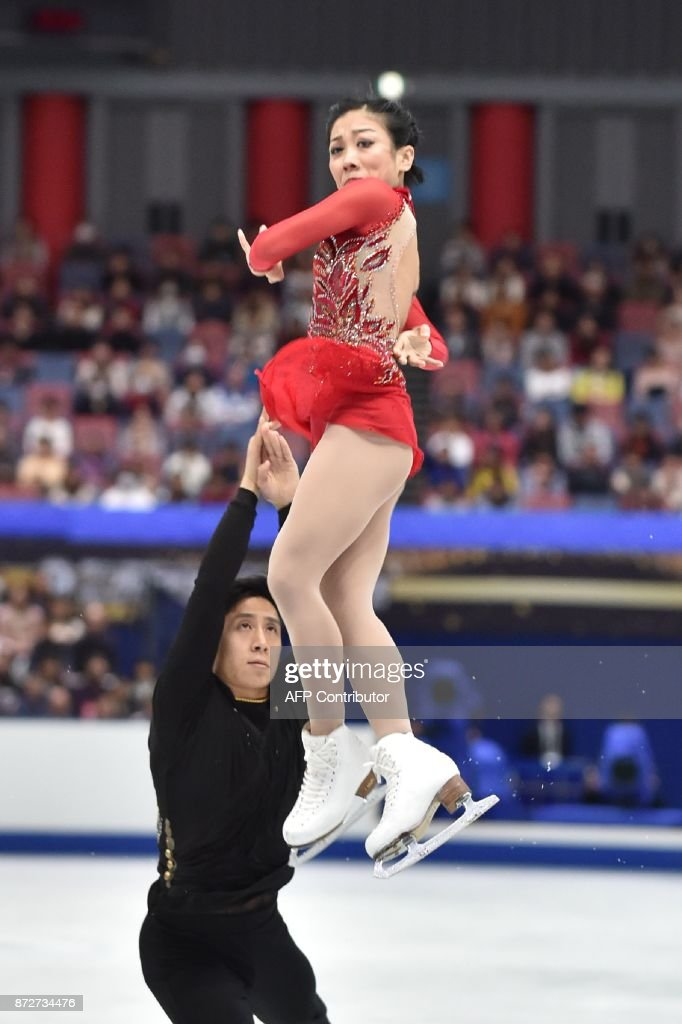 Вэньцзин Суй - Цун Хань / Wenjing SUI - Cong HAN CHN - Страница 11 Sui-wenjing-and-han-cong-of-china-gesture-following-their-pairs-free-picture-id872734476