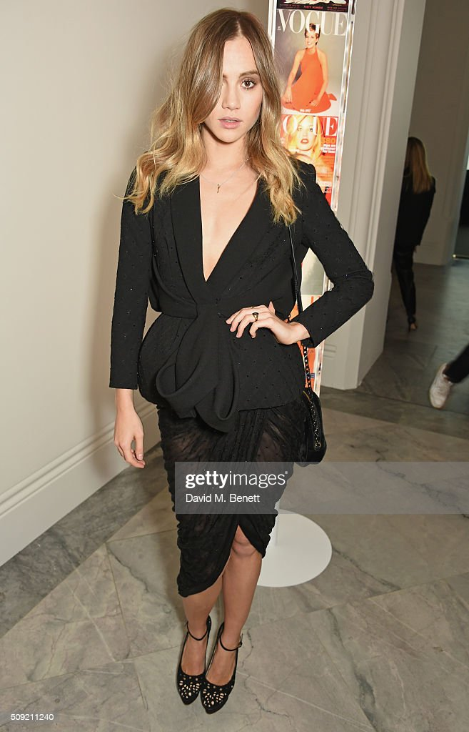 <a gi-track='captionPersonalityLinkClicked' href=/galleries/search?phrase=Suki+Waterhouse&family=editorial&specificpeople=7591336 ng-click='$event.stopPropagation()'>Suki Waterhouse</a> attends a private view of 'Vogue 100: A Century of Style' hosted by Alexandra Shulman and Leon Max at the National Portrait Gallery on February 9, 2016 in London, England.