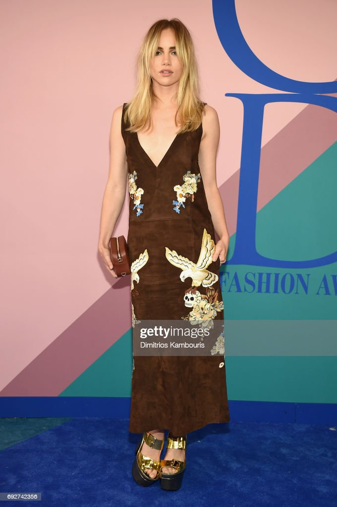 Suki Waterhouse attends the 2017 CFDA Fashion Awards at Hammerstein Ballroom on June 5, 2017 in New York City.