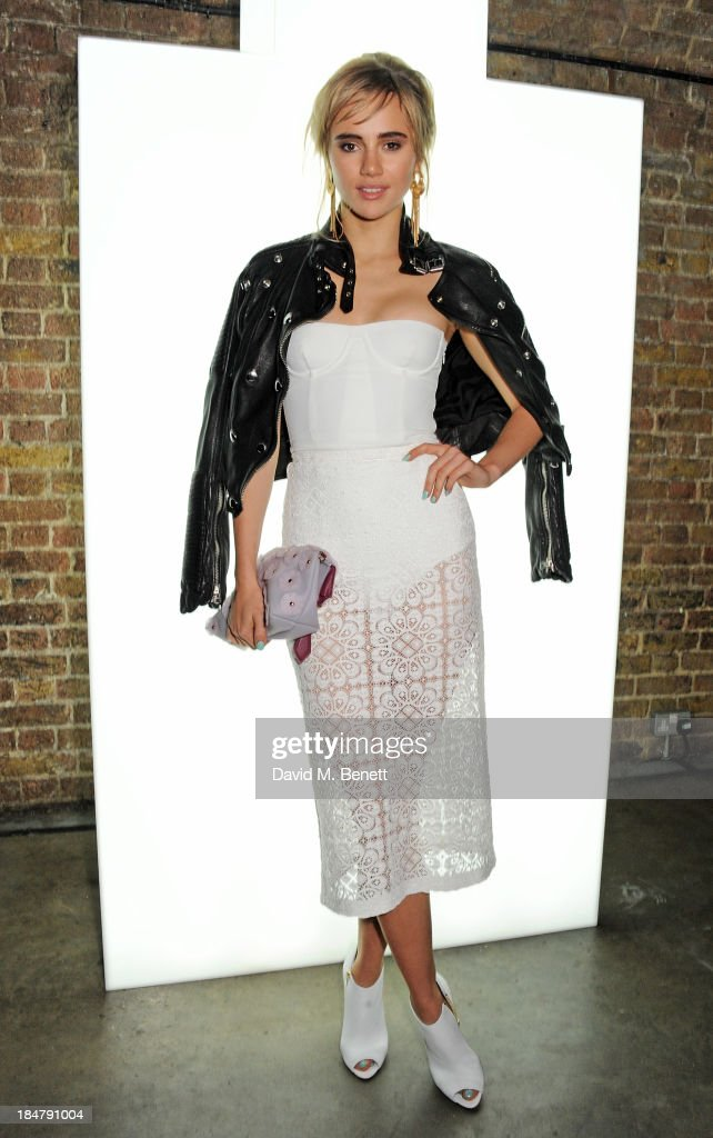 <a gi-track='captionPersonalityLinkClicked' href=/galleries/search?phrase=Suki+Waterhouse&family=editorial&specificpeople=7591336 ng-click='$event.stopPropagation()'>Suki Waterhouse</a> attends the Burberry Brit Rhythm gig in London at Village Underground on October 16, 2013 in London, England.