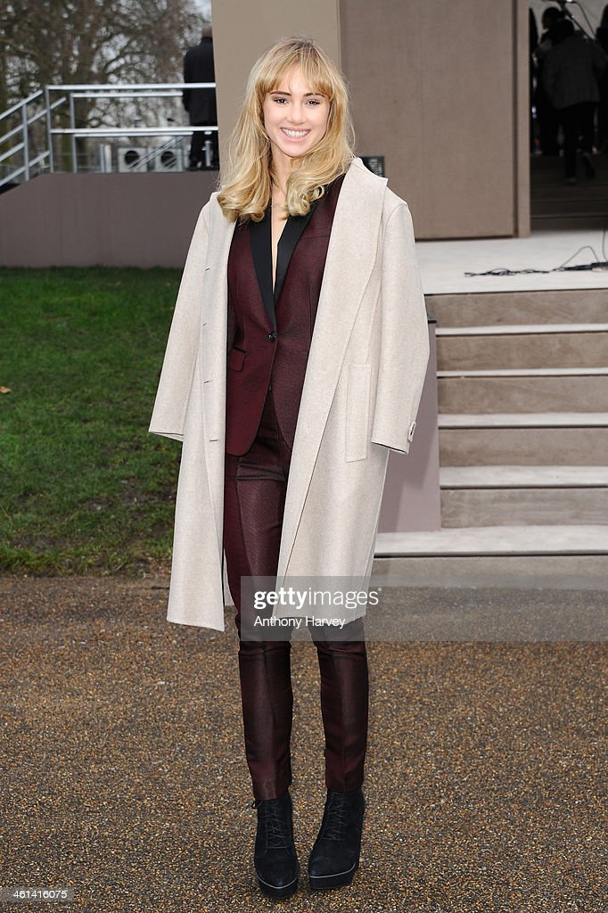 <a gi-track='captionPersonalityLinkClicked' href=/galleries/search?phrase=Suki+Waterhouse&family=editorial&specificpeople=7591336 ng-click='$event.stopPropagation()'>Suki Waterhouse</a> attends the Burberry Prorsum show during The London Collections: Men Autumn/Winter 2014 on January 8, 2014 in London, England.