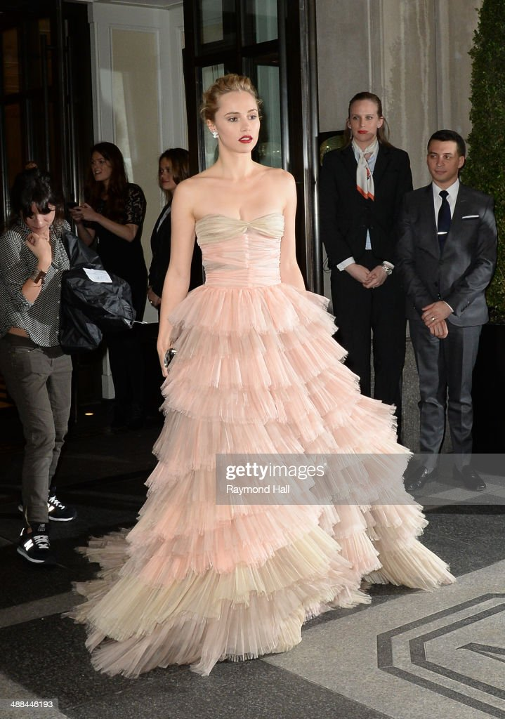 Suki Waterhouse departs the Mark Hotel for the Costume Institute Gala at the Metropolitan Museum of Art on May 5, 2014 in New York City.