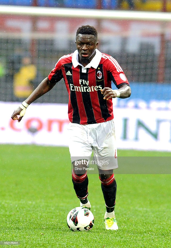 <a gi-track='captionPersonalityLinkClicked' href=/galleries/search?phrase=Sulley+Ali+Muntari&family=editorial&specificpeople=533057 ng-click='$event.stopPropagation()'>Sulley Ali Muntari</a> of AC Milan in action during the Serie A match between AC Milan and US Citta di Palermo at San Siro Stadium on March 17, 2013 in Milan, Italy.