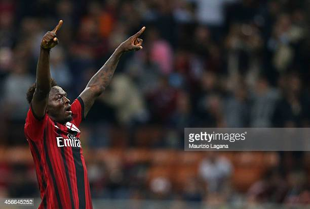 Sulley Muntari of Milan celebrates after scoring his team's opening goal during the Serie A match between AC Milan and AC Chievo Verona at Stadio...