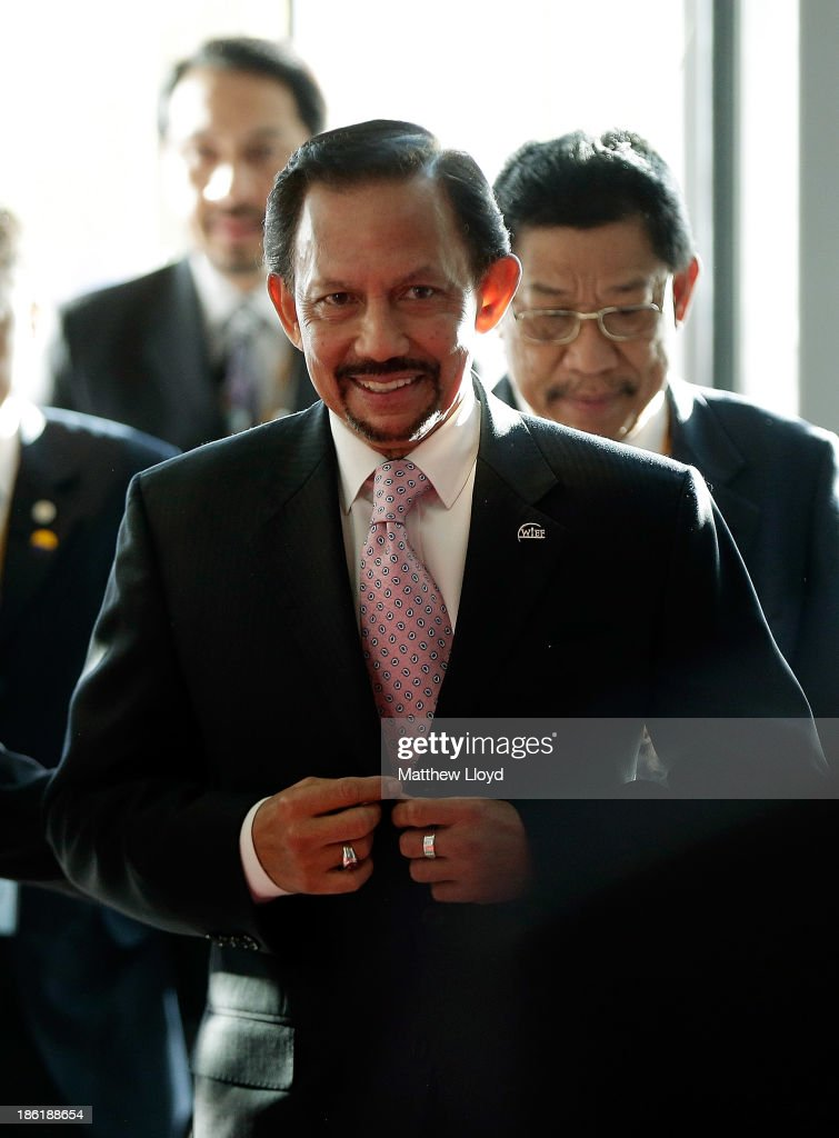 H.M. <a gi-track='captionPersonalityLinkClicked' href=/galleries/search?phrase=Sultan+Hassanal+Bolkiah&family=editorial&specificpeople=138553 ng-click='$event.stopPropagation()'>Sultan Hassanal Bolkiah</a> of Brunei Darussalam arrives at the 9th World Islamic Economic Forum at ExCel on October 29, 2013 in London, England.