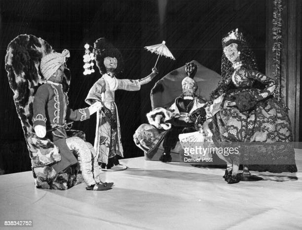 Sultans Japanese ladies and Spanish senoritas are among the apple dolls donated to the league by Mrs Betti Smith of Florida Credit Denver Post