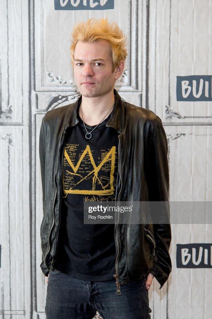 "Build Presents Deryck Whibley Of Sum 41 Discussing The Band's New Tour ""We Will Detonate!"""