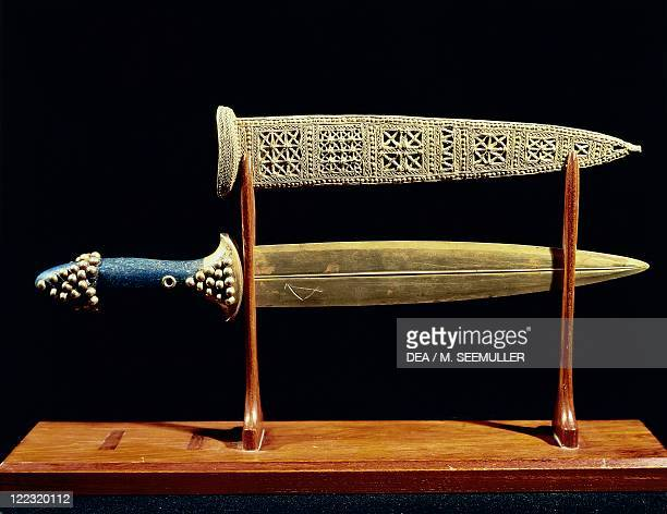 Sumerian civilization 2nd millenium bC Goldsmith art Dagger and sheath in gold circa 2500bC From the Royal Tombs of Ur