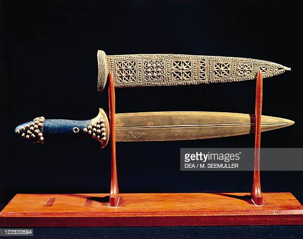 Sumerian civilization 2nd millenium bC Goldsmith art Dagger and sheath in gold circa 2500 bC From the Royal Tombs of Ur