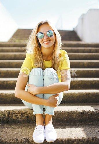 Moda Sexy Bonita De Verano Posando En Gafas Retrato Chica Sol yPmN0wv8nO
