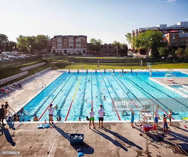 Été matin à Westmount urbain public de la piscine