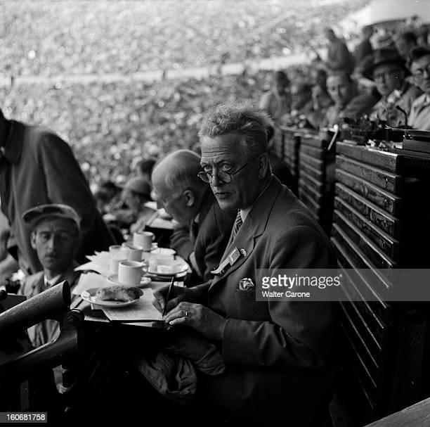 Summer Olympics 1952 Helsinki En Finlande à Helsinki en juillet 1952 lors des Jeux Olympiques d'été portrait d'un membre du jury du comité olympique...