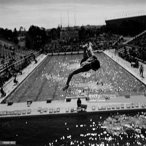 Summer Olympics 1952 Helsinki En Finlande à Helsinki en juillet 1952 lors des Jeux Olympiques d'été épreuve de plongeon pour un homme depuis la...