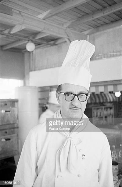 Summer Olympics 1952 Helsinki En Finlande à Helsinki en juillet 1952 lors des Jeux Olympiques d'été portrait de Louis GARROT en toque blanche...