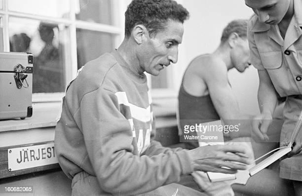 Summer Olympics 1952 Helsinki En Finlande à Helsinki en juillet 1952 lors des Jeux Olympiques d'été à l'issue de l'épreuve de course du 10 000 m...