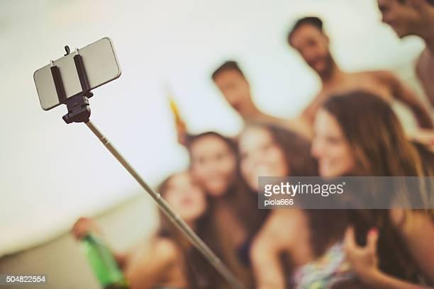 Vacanza estiva ricordi: Prolunga per selfie sul mare