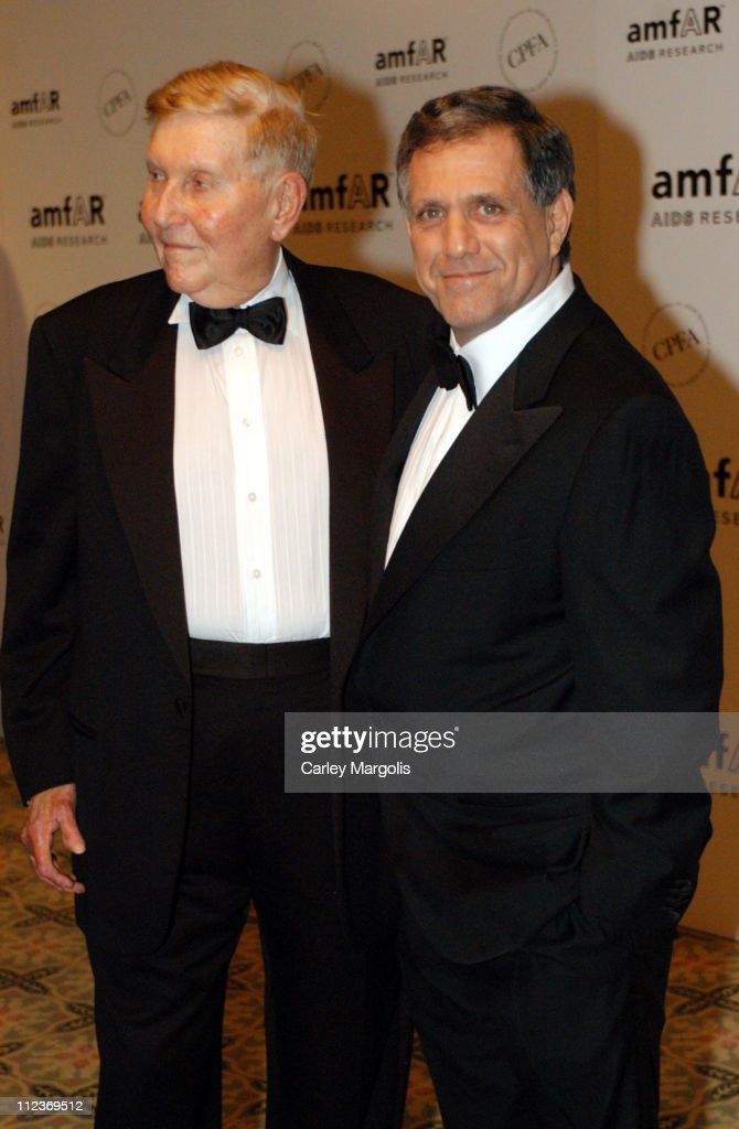 Sumner Redstone honoree and Les Moonves during Patti LaBelle Sumner Redstone and Peter Dolan Honored by amfAR at The Pierre Hotel in New York City...