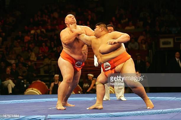 SUMO Battle of the Giants Georgia Jondo Dabrundashvilli in action vs Japan Mitshuhiko Fukao at Madison Square Garden New York NY CREDIT Neil Leifer