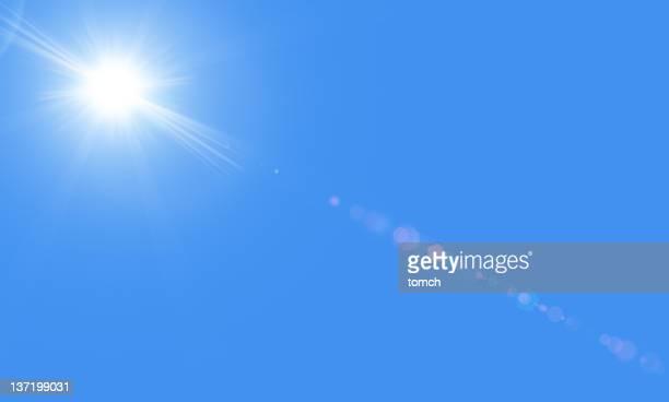 太陽の下で青い空、lensflare