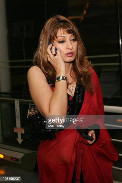 Sunanda Pushkar at Anupam Kher's biographical play Kuch Bhi Ho Sakta Hai in New Delhi on July 30 2010