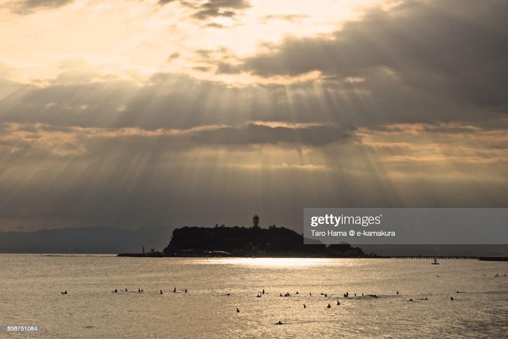 Sunbeam on Enoshima Island and Sagami Bay in the sunset : ストックフォト