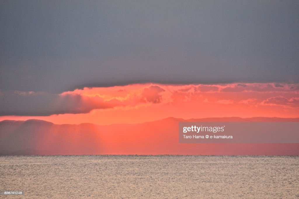 Sunbeam on Sagami Bay and Izu Peninsula in the sunset : ストックフォト