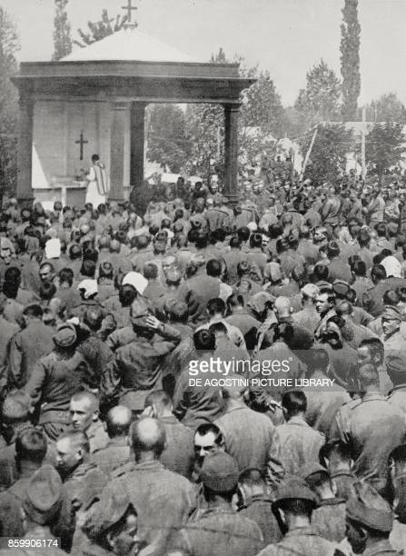 Sunday mass in a prison camp where 24000 Austrian prisoners were interned Italian World War I from L'Illustrazione Italiana Year XLIV No 28 July 15...