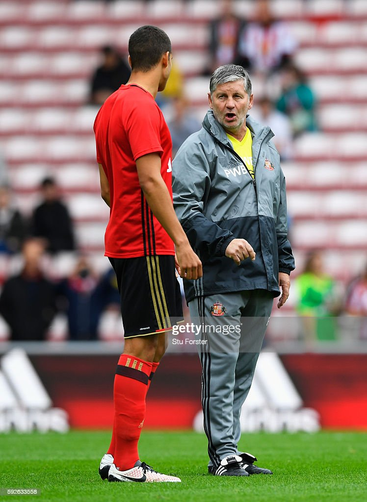 Sunderland assistant manager Paul Bracewell talks to Jack Rodwell prior to the Premier League match between Sunderland and Middlesbrough at Stadium...